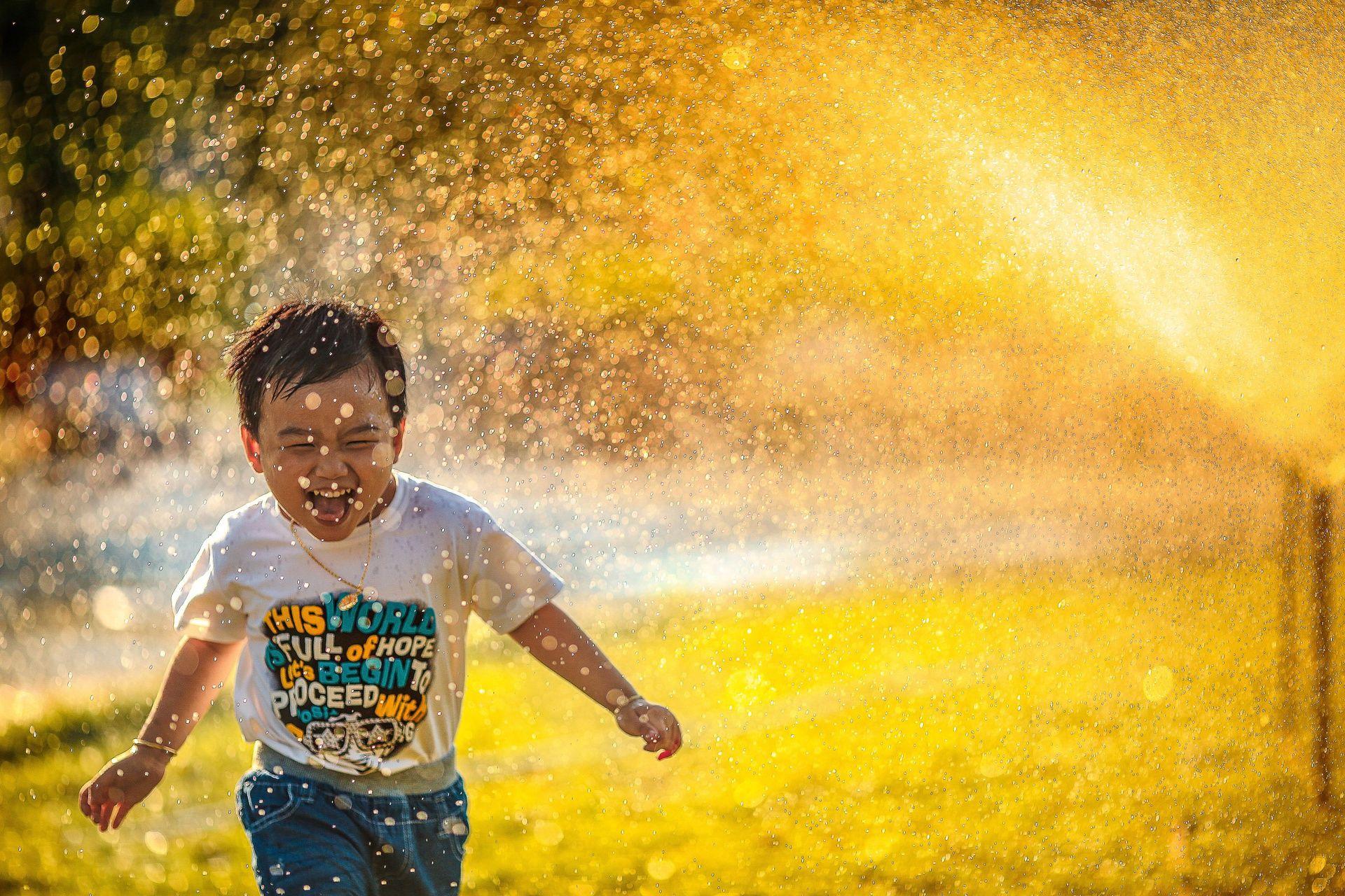 sites/74247825/boy water_he.jpg