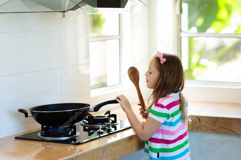 sites/74247825/depositphotos_218836678-stock-photo-child-cooking-kids-learn-cook.jpeg